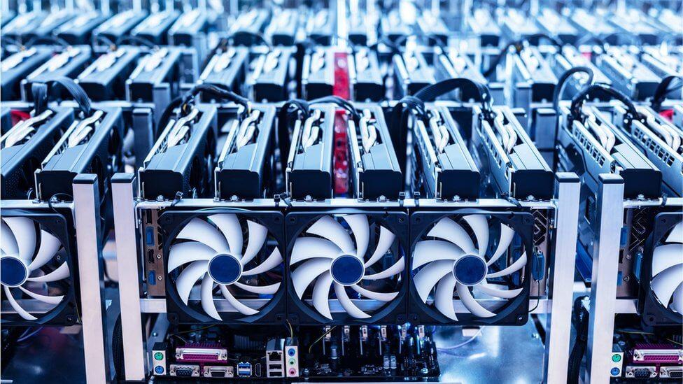 استخراج بیت کوین چیست و چگونه کار میکند